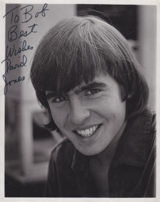 Davy Jones 1966 autograph.jpg