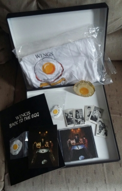 Contents of CD promo box